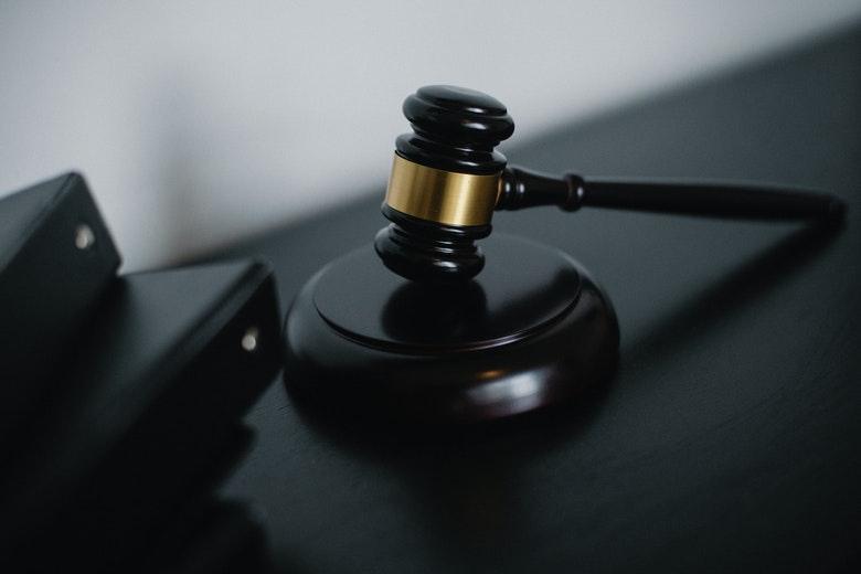 coltivare cannabis reato penale o amministrativo